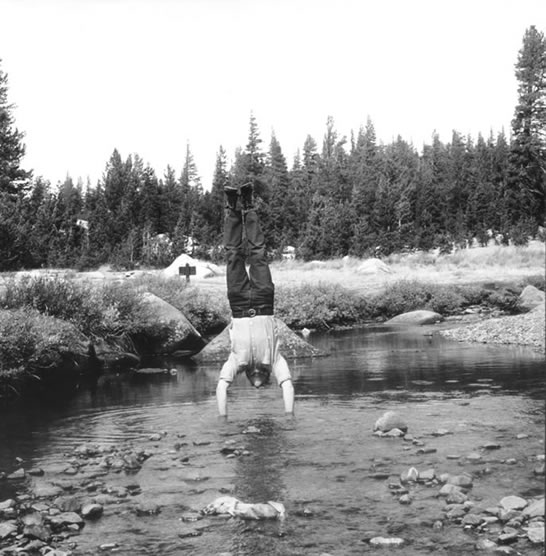 <h3 class='artwork-heading'>Robert Kinmont 8 Natural Handstands</h3><p class='artwork-info'>1969/2009<br>nine silver gelatin prints, Ed.10<br>21.5 x 21.5 cm Courtesy Alexander and Bonin </p>
